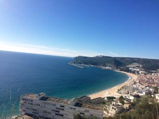 3 bedroom duplex in Sesimbra with sea view
