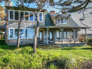 Dowd House--R258    Waldport Oregon High Bank vacation rental
