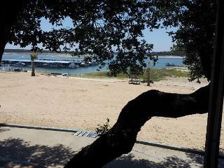 2BR/1BA Inviting Retreat w/Lake View, Volente, Sleeps 6, Leander