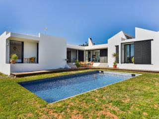 WHITE VILLA, Ibiza Ciudad
