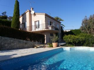 Villa Yasmine, cosy little villa with pool seaview, Cannes
