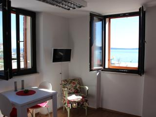 Krespo Apartment 1, Kastel Stafilic