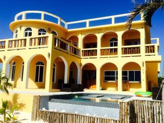 Villa Mandevilla 6 Bed 6 Bath Ocean Front/Pool, San Pedro