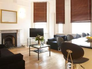 Lovely  apartment with Fireplace in Covent Garden