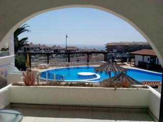 golf and sea apartment with heated pool, Tenerife