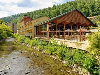 River Terrace Resort - Standard King Room, Gatlinburg