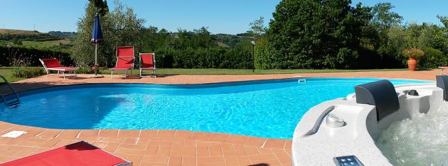 Iacuzzi pool with heated water and color therapy