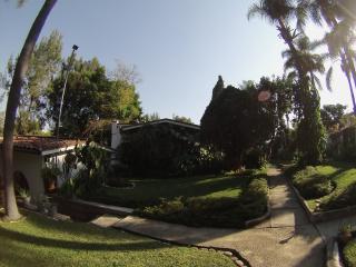 Villa Azteca, Cuernavaca