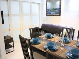 South Beach Contemporary Suite 2bd/1bth, Miami Beach