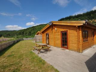 COUGI Log Cabin situated in Loch Ness (12.5mls W)