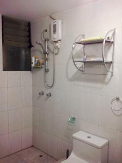 baño principal con agua caliente