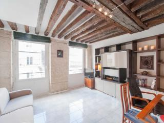 1 Bedroom Apartment at Rue St. Honore