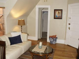 Affordable charming Uptown apartmnt 3 Top Location, Denver
