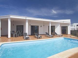 Playa Blanca 2 dormitorios Villa climatizada (invierno)