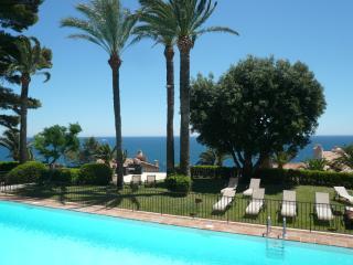 lovely duplex maisonnette in seafront residence, Cannes