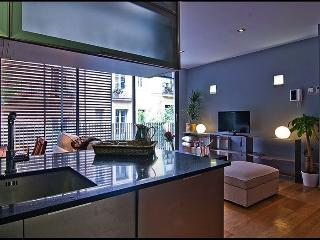 Pool and Terrace Apartment in Gracia