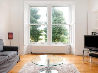 Anam Cara 3 bedroom, sunny, great views in centre, Edinburgh