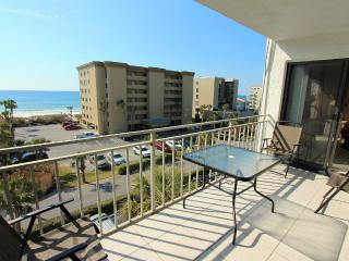 Emerald Isle 511-2BR-RealJOY Fun Pass- Okaloosa Isle- Beachfront Pool, Fort Walton Beach
