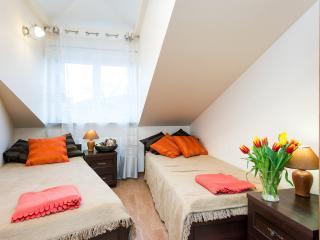 Bedroom no 1 - twin beds