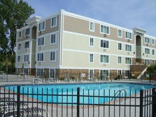 North Shores Condos 225 #203. Weekly Only - Summer rentals begin on Saturdays., South Haven