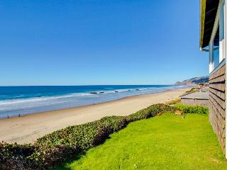 Beautiful oceanfront home with enclosed yard, dog-friendly!