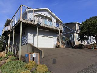 Beautiful Ocean Views & Immaculate Interior--A Suite Retreat!, Lincoln City