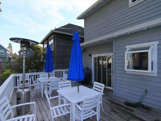 Charming Bella Beach Home, Close to Beach Access, Fabulous Amenities!, Depoe Bay