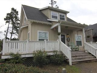Beautiful Bella Beach Home w/ Great Amenities in a Family Friendly Setting!, Lincoln City