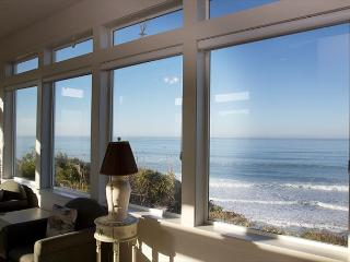 Lighthouse - Custom-built Ocean Front hm w/ spectacular panoramic ocean views, Lincoln City