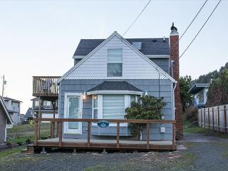 Siren Song-3 bedroom home located in Roads End with easy beach access nearby, Lincoln City