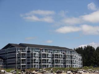 Amazing Bay and Ocean Views From a Luxury Condo!, Lincoln City