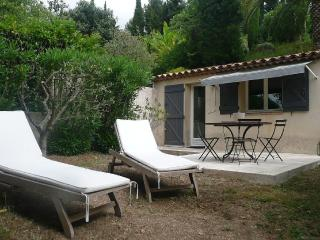 STUDIO INDEPENDANT AVEC JARDIN PRIVATIF DE 100M2, Grasse