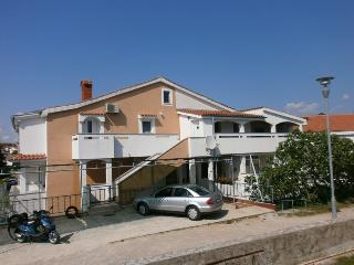 Apartment Grande with Three  Bedrooms, Krk