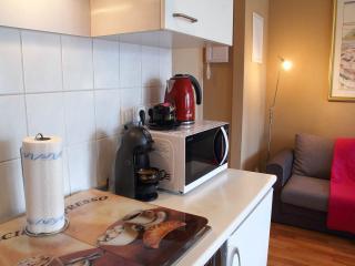 Water cooker Rassel Hobs line, Nescafé Coffee machine , microwave