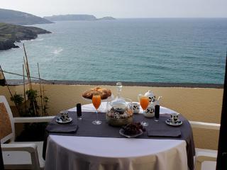 Oferta Atico con terraza sobre el mar y acceso directo a la playa G de Malpica