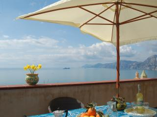 Il Profumo dei  fiori with sea view and Parking-  Amalfi coast, Praiano