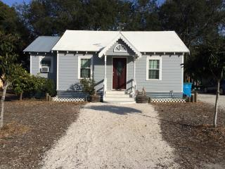 Nana's Beach Cottage, Tybee Island