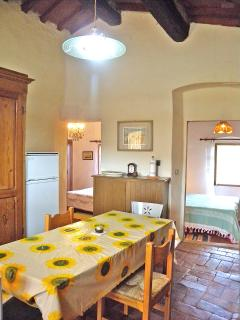 Casetta Corteccia - Dining with bedrooms view