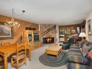 Aspen Creek 209 - Mammoth Rental - Near Eagle Lift, Mammoth Lakes