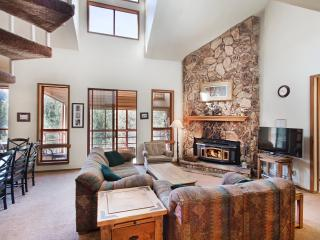 Aspen Creek 230 - Mammoth Condo - Near Eagle Lift, Mammoth Lakes