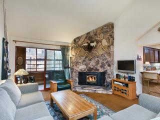 Aspen Creek 301 - Mammoth Rental - Near Eagle Lift, Mammoth Lakes