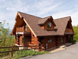 Great Alpine Lodge - Smoky Mountain Luxury! View!, Gatlinburg