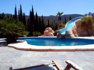 Casita de montana con piscina