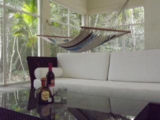 Peaceful Serenity jungle getaway, Tulum
