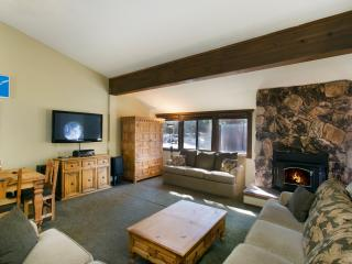 Helios South 3 - Mammoth Condo - Walk to Village, Mammoth Lakes