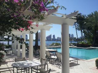 Special: $50/week off -Luxury, resort style living, Aventura