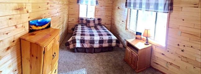 Pinecone Cabin-3rd bedroom has queen bed
