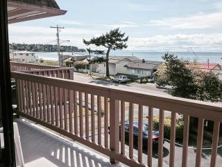 Cabana Club 209 - 2 Bedroom w/Loft Condo, Birch Bay