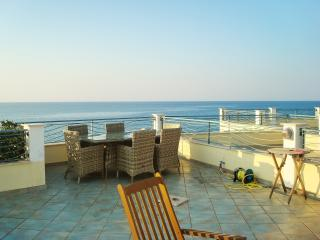 Beachside house with 3 bedrooms, Brancaleone