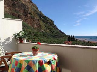 A large, bright two bedroom apartment, Ponta do Sol